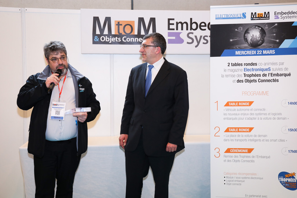Award 2017 MtoM & Embedded System & IoT Freemindtronic Andorra winner in the category electronic module subsystem Jacques Gascuel explains to the public how EviTag hardware password manager working contactless
